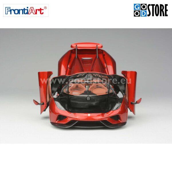 Koenigsegg Regera skaalas 1:18