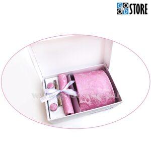 Kinkekarp luksusliku lipsu, mansetinööpide, lipsunõela ja rinnataskurätikuga, särav roosa