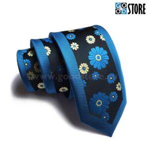 Seotav lips, siniste ja kuldsete kevadlilledega, stiilne, kitsas