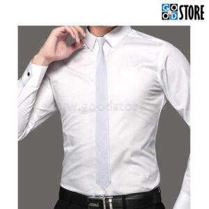 Kitsas lips, õrnalt helkiv hõbedane ja kerge mustriga, stiilne!