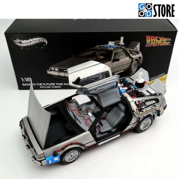 "DeLorean ""Tagasi tulevikku ajamasin"" M1985 skaalas 1:18"